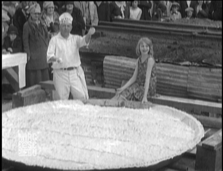 1928-March11_LargestPieBaked1_medium.jpg